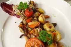 Gemüse-Kartoffelpfanne-Gasthof-Bären-Zweisimmen-Lahaije